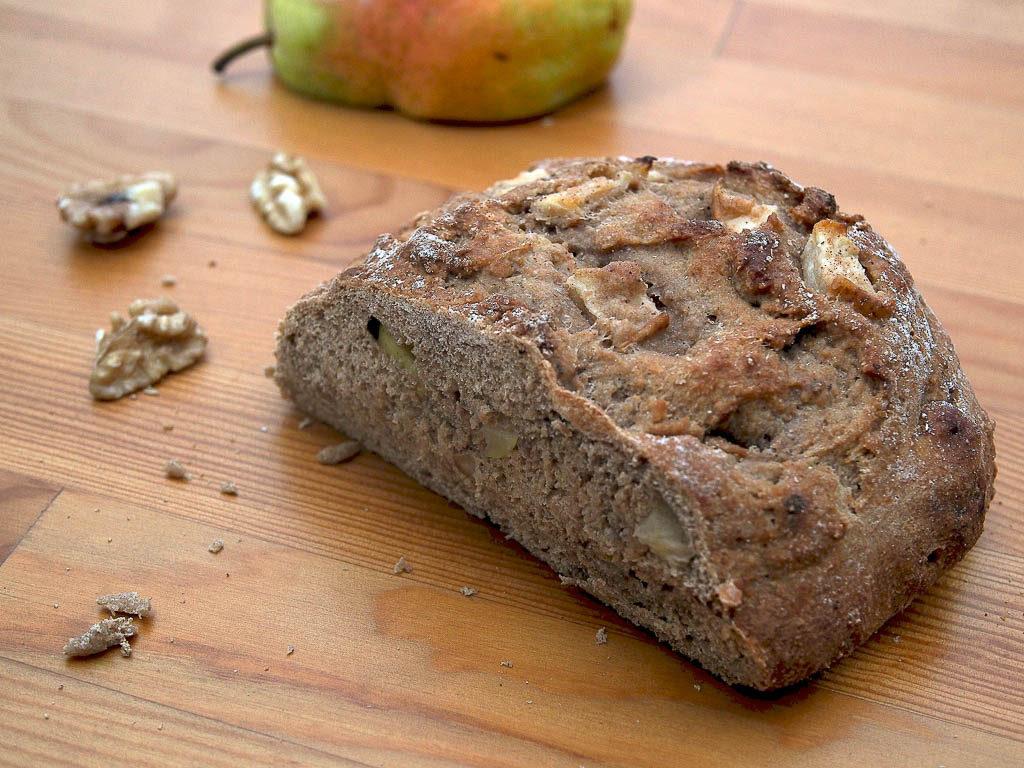 Pear Walnut bread by 20 Shekels